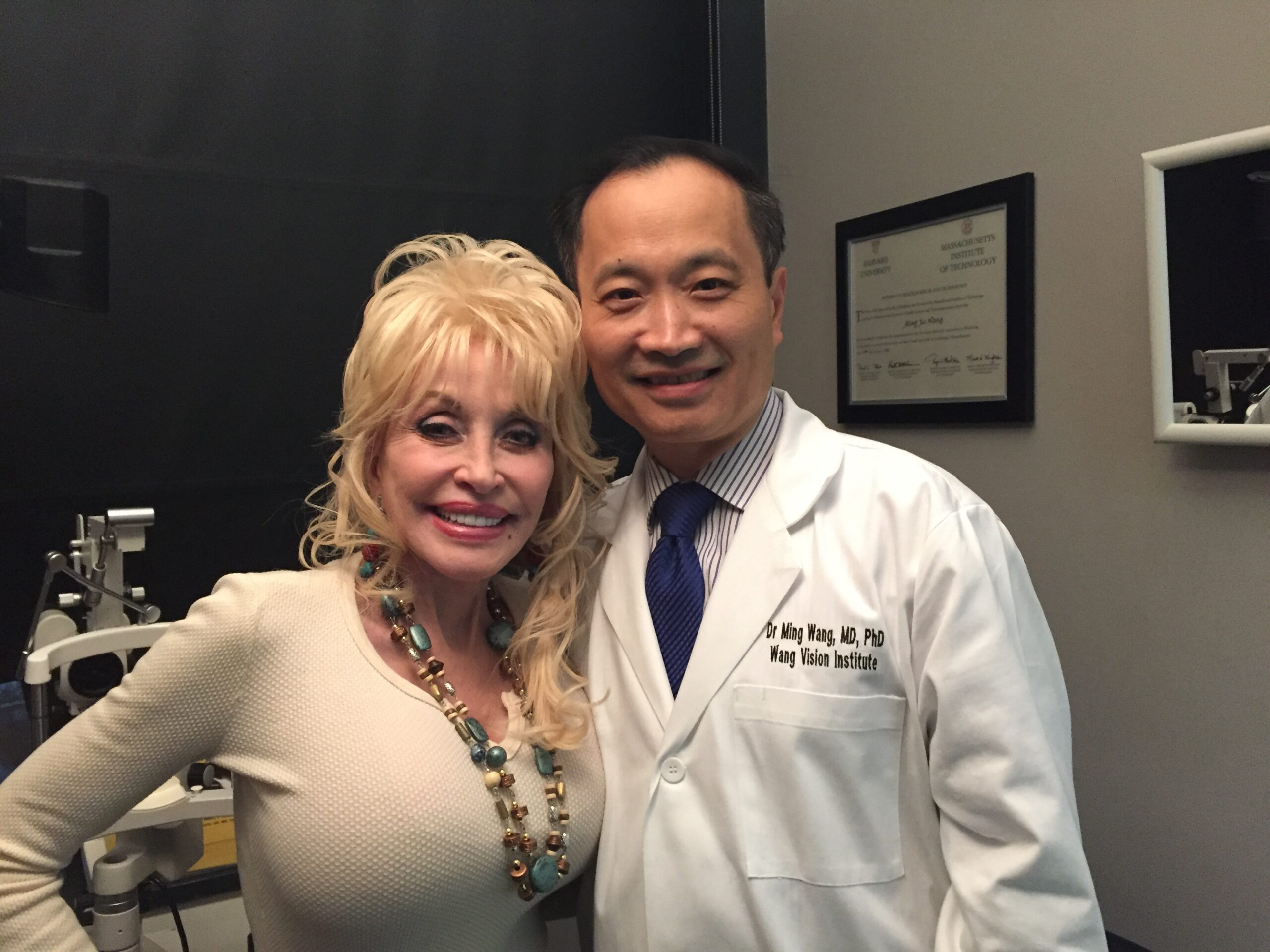 Celebrity patient Dolly Parton IMG 0354 scaled